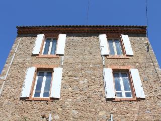 Maison de Farine - Peux-et-Couffouleux vacation rentals