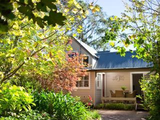 Avondale Cottage - Bowen Mountain vacation rentals