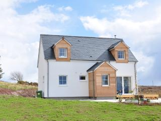 Tigh Roisin - 3 bedroom cottage in Isle of Skye - Breakish vacation rentals