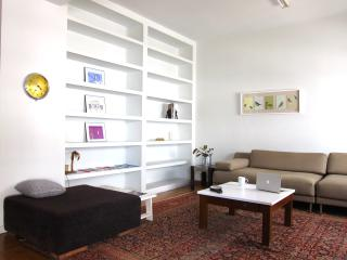 Victoria Metro - 2B/R - City Apartment - Athens vacation rentals