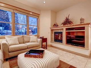 French Street Retreat - 4 bd downtown with hot tub - Breckenridge vacation rentals