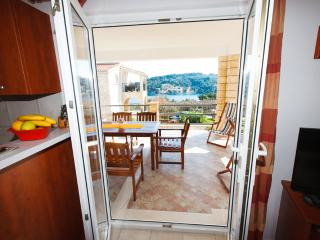 5114 A2(4+2) - Rogac - Supetar vacation rentals