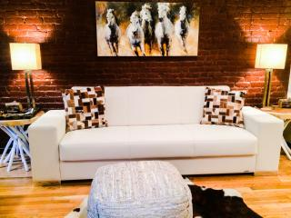 Travel inSTYLE 4BrFlex 2Ba DUPLEX heart of CHELSEA - New York City vacation rentals
