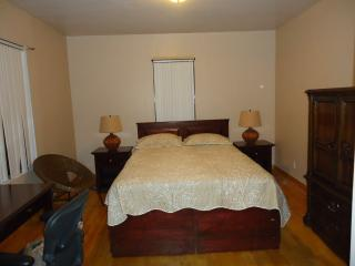 Cozy 2 Bedroom Private Apartment - Bronx vacation rentals