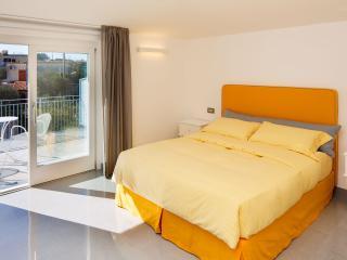 B&B Casa Colarusso - Mercoledì Room - Massa Lubrense vacation rentals