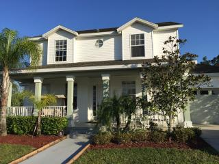Amazing House 6 Bedrooms + Pool + Spa + Resort - Kissimmee vacation rentals