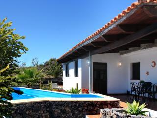 Casa Hélena Luxary Villa for 4 in Tenerife - Guia de Isora vacation rentals