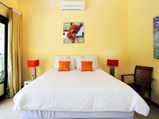 The Shinning room studio 27 - Denpasar vacation rentals