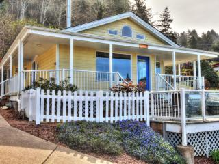 Sea Star Cottage with Hot Tub and Ocean View! - Yachats vacation rentals