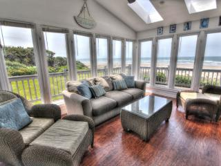 Ocean Front on a Sandy Beach & Hot Tub with a View - Waldport vacation rentals