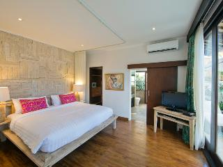 Lovely 3 Bedroom Private Pool Villa in Seminyak - Seminyak vacation rentals
