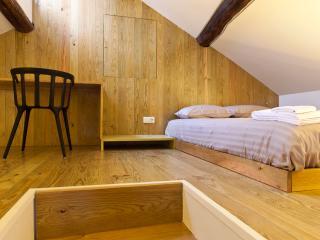 Mezzanine Flat in Porto Downtown - Porto vacation rentals