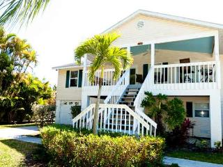 Breeze On In: 3BR Awesome Island Home - Holmes Beach vacation rentals
