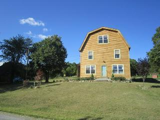FAB FUN GREEN BUILT FARMHOUSE ON 17 ACRES - Slingerlands vacation rentals
