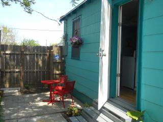 Lucky Horse Shoe Cottage - New Orleans vacation rentals