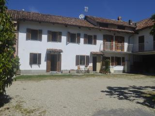 Langhe Country House Alba Neive - Cisterna d'Asti vacation rentals