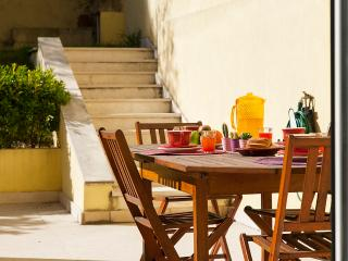 Principe Real Garden Apartment - Costa de Lisboa vacation rentals