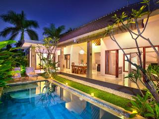 VILLA SAUDARA 2 - PRIME LOCALE, ONLY 100M TO BEACH - Bali vacation rentals