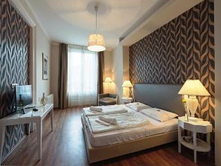 House Octogon - Budapest & Central Danube Region vacation rentals