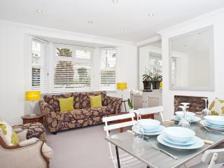Brighton /Hove central Villa 2 bedroom garden flat - Brighton vacation rentals