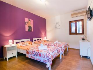 Cute apartment in center - Split vacation rentals