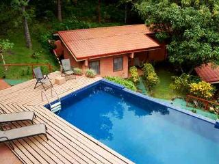 Ama Tierra Retreat and Wellness Center - Santiago de Puriscal vacation rentals