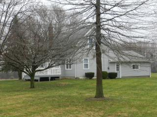 2 bd, 1 ba, fully furnished, free wifi, direct TV - Ohio vacation rentals