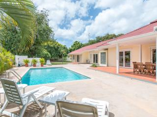 Luxurious tropical villa with private pool - Willemstad vacation rentals