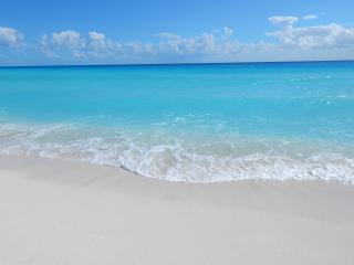 Great Beachfront Penthouse - cheap - Cancun vacation rentals