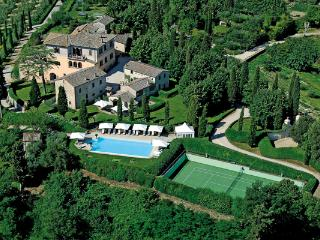 In the heart of Chianti, this villa can sleep up to 31 people. BRV GAI - Pievescola vacation rentals