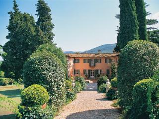 Lucca, in the north of Tuscany, is famous for its elegant period houses built over 4 centuries. HII CRD - Castelfiorentino vacation rentals