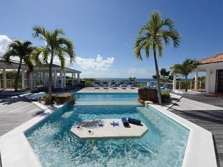 Enjoy views of the Ocean and Saba. C FON - Terres Basses vacation rentals