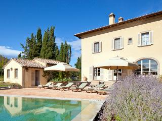 Restored police station with rolling panoramic views of the countryside. BRV CLI - Castelfiorentino vacation rentals