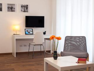 CASA DE CAROLIS - Cozy apartment 10m from Vatican - Rome vacation rentals