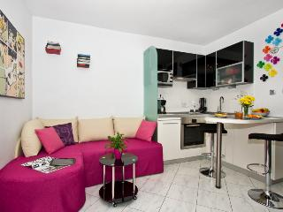 Sweet LoveMySplit apartment by the beach - Dalmatia vacation rentals