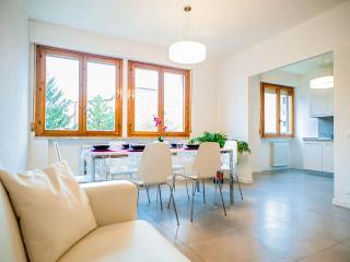 ELEGANTE APPARTAMENTO 6 PERS. VICINO H CISANELLO - Pisa vacation rentals