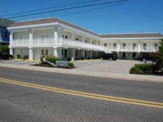 Property 35319 - Ideal Condo in Cape May (35319) - Cape May - rentals