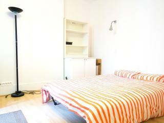 Plaisance Apartment - Paris vacation rentals