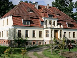 Nawino Manor B&B 25€ day/pers - Bialogard vacation rentals
