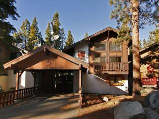 Beautiful remodeled cabin with free access to community hot tub and summer pool - South Lake Tahoe vacation rentals