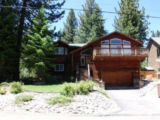 Fantastic, Deluxe Tahoe four bedroom home with hot tub and pool table - South Lake Tahoe vacation rentals