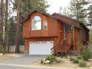 Large Tahoe cabin style home, close to all Tahoe activities, wonderful hot tub, back patio area - South Lake Tahoe vacation rentals