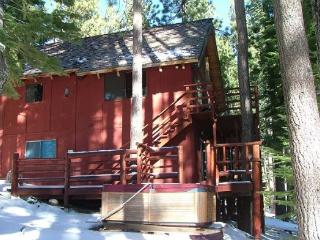 Great Cabin, Secluded in a quiet setting & completely surrounded by towering pine trees - South Lake Tahoe vacation rentals