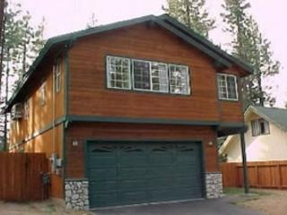Spacious family oriented home in a quiet, convenient neighborhood. Hot tub - South Lake Tahoe vacation rentals