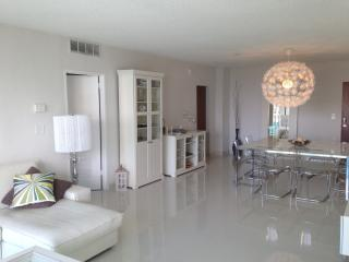 Miami  Vacation Condo  Ocean View Beach 8fl - Hollywood vacation rentals