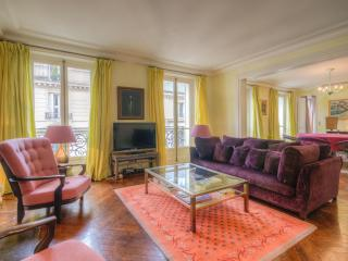 Luxury Pied-a-Terre in the Left Bank! - 5th Arrondissement Panthéon vacation rentals