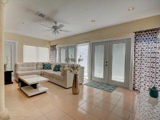 The Rose Villa # 1108  North Miami Beach, FL - North Miami Beach vacation rentals