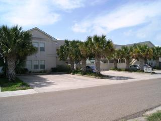 Sun Dancer- mid island 2-3 minute walk to beach - South Padre Island vacation rentals