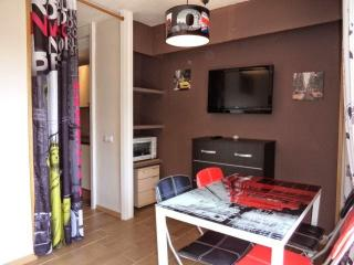 APARTMENT WITH SWIMMING POOL - Puerto de Alcudia vacation rentals