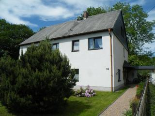 Vacation Apartment in Oberschoena - 1378 sqft, central, bright, comfortable (# 7253) - Seiffen vacation rentals